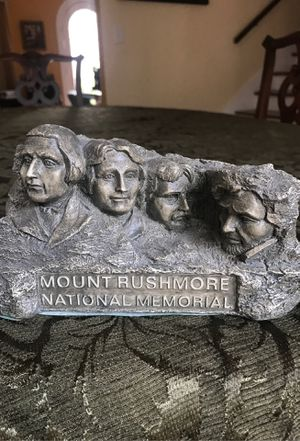 Mount Rushmore national memorial presidents head statue for just tall by 7 inches wide collectible for Sale in West Palm Beach, FL
