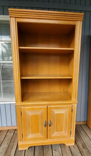 Bookshelf for Sale in Davie, FL