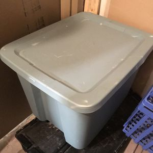 Grey Tubberware Storage Container for Sale in Hollywood, FL