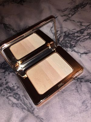 Elcie cosmetics highlighter for Sale in Los Angeles, CA