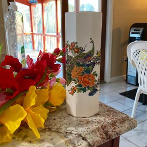 Flower Vase With Flowers for Sale in Elkridge, MD