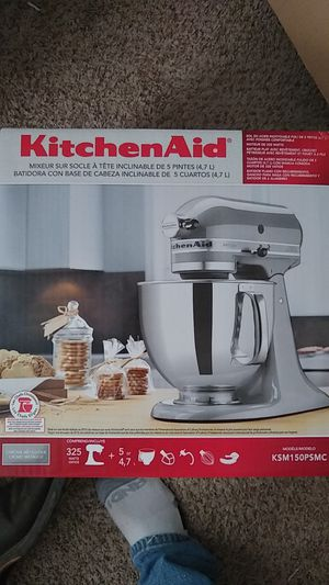Artisan kitchen aid 5 qt for Sale in Wichita, KS