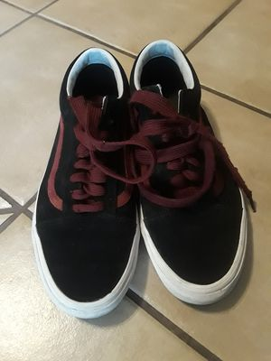 Vans Old Skool Skater Sneaker Shoes ● Size 11(1/2) in Men's for Sale in Bell, CA