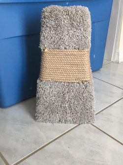 Cat Scratcher Good Used Condition for Sale in Zephyrhills,  FL
