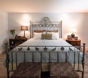 King Size Custom Bed Frame for Sale in Oakland Park, FL
