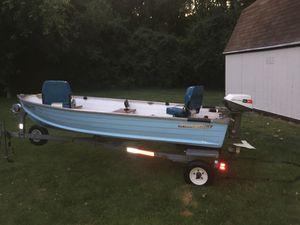 12' Starcraft deep v boat & trailer for Sale in Dayton, OH