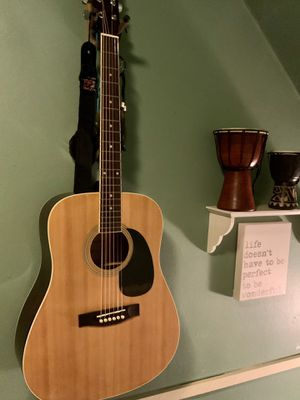 Acoustic Folk Guitar for Sale in Pittsburgh, PA