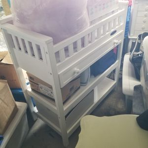 Baby Changing Table For Sale!$60 for Sale in Hollywood, FL