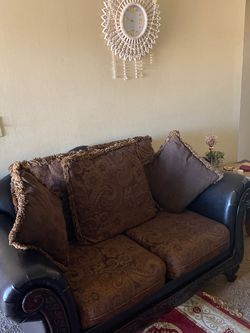 Living Room Set W/ Side Tables for Sale in Sterling Heights,  MI
