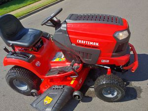 2019 Craftsman riding lawn mower tractor like men only 7 hours for Sale in Beaverton, OR