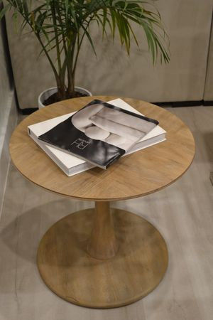 Modern Wooden Round Coffe Table from Maycs. for Sale in Deerfield Beach, FL