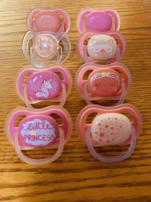FREE 8 pacifiers 6-18m for Sale in Aurora, IL