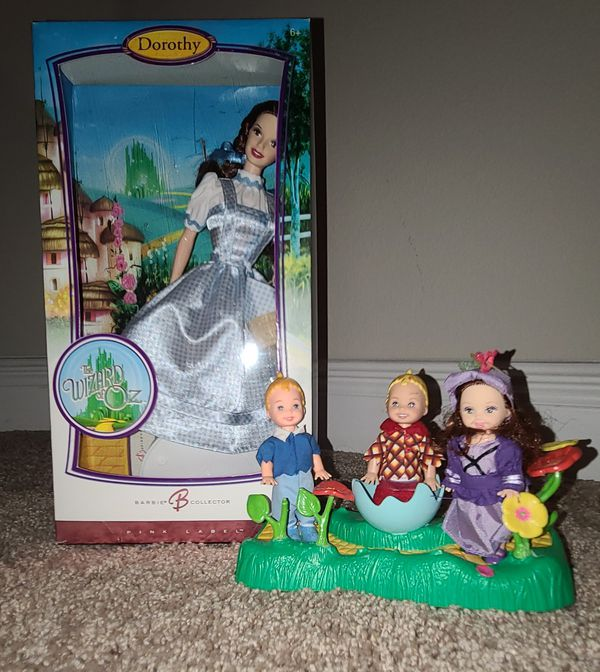 Barbie Wizard of Oz with munchkins