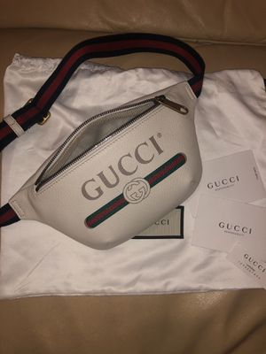 Authentic Gucci small belt bag/ fanny pack for Sale in Garden Grove, CA
