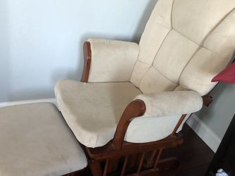 Like New- Shermag glider(nursing chair) and ottoman for Sale in Los Gatos,  CA