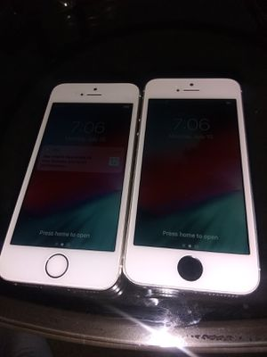 iPhone 5s64unlocked (2) for Sale in Rialto, CA