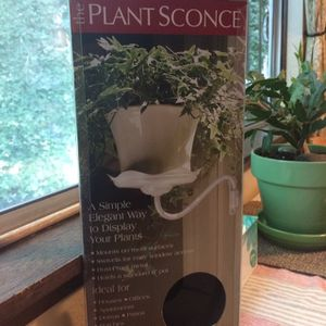 Antique/Victorian Looking Plant Holder for Sale in Beavercreek, OR