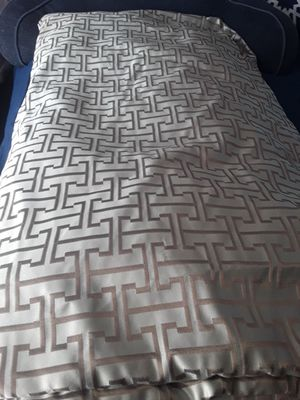 Comforter for Sale in Lawndale, CA