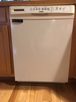 """24"""" Kenmore White Dishwasher great condition getting new appliances must sell for Sale in Tacoma, WA"""