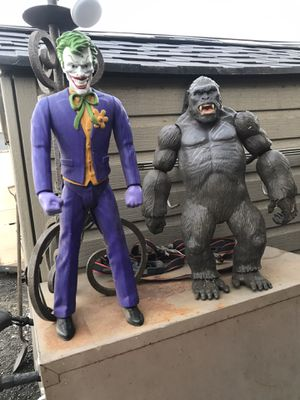 """Joker and King Kong joker about 20"""" King Kong about 18"""" for Sale in Bloomington, CA"""