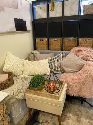 Pink fur blanket for Sale in Seattle, WA