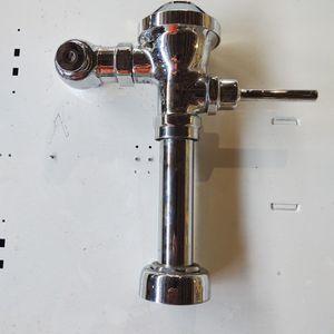 Zurn Flushometer for Sale in Cleveland, OH
