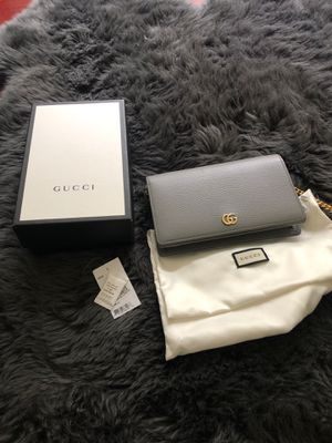 Gucci petite Marmont leather wallet on a chain for Sale in West Bloomfield Township, MI