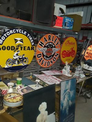 INDIAN MOTORCYCLE PORCELAIN SIGNS for Sale in Madera, CA