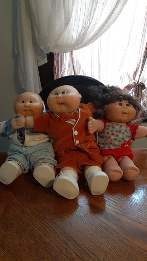 Cabbage patch dolls for Sale in Cleveland, OH
