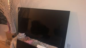 65 inch TCL TV smart roku for Sale in Jersey City, NJ