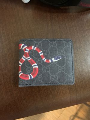 Gucci wallet for Sale in Tempe, AZ