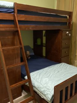 Bunkbed With Drawer And Desk for Sale in Redmond,  WA