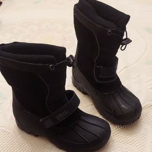 Snow Boots ,size 1 Boys Or Girls for Sale in Buena Park, CA