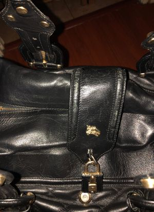 BURBERRY authentic genuine leather tote bag fashionable and spacious for Sale in San Diego, CA