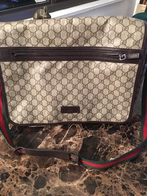GUCCI MESSENGER BAG! LIKE NEW! 100% AUTHENTIC! for Sale in New York, NY