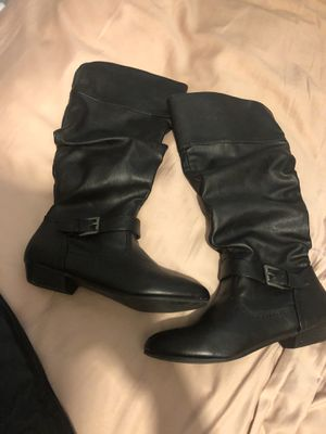Women's trendy mid calf boot size 6 1/2 for Sale in Fresno, CA