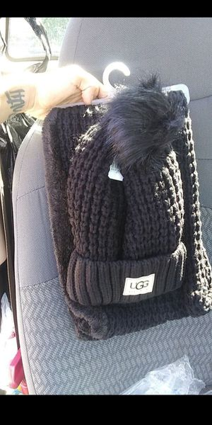 Women's matching winter hat and scarf for Sale in Silver Spring, MD