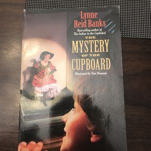 Kids Chapter Book The Mystery Of The Cupboard for Sale in Atwater, CA