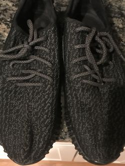 Adidas Yeezy Pirate Black Original Version 2 With Heel Padding for Sale in Boston,  MA