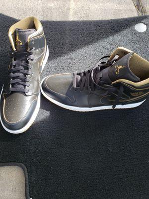 Jordan 1 GOAT Black & Gold $150obo for Sale in Decatur, GA