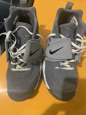 Free Nike's for Sale in Highland Hills, OH