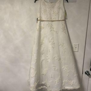 Kids, girls flower girl, baptism, formal gown for Sale in Affton, MO