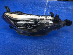 2017-2018 TOYOTA COROLLA LED HEADLIGHT RIGHT PASSENGER SIDE OEM for Sale in Los Angeles, CA