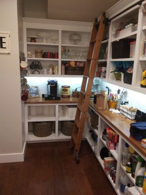 BEAUTIFUL CUSTOM CABINETRY/FULL SIZE PANTRY for Sale in San Antonio, TX