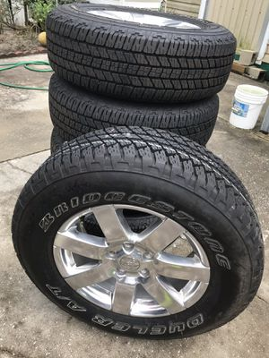 Jeep wheels and tires for Sale in Mulberry, FL