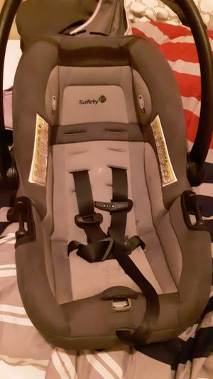 Safety 1st car seat for Sale in St. Louis, MO