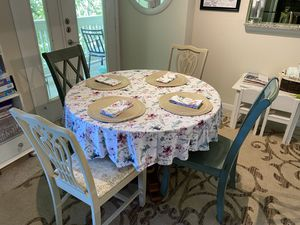 Dining Table and Chairs for Sale in Brentwood, TN