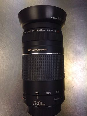 Canon ultrasonic 75-300mm lense for Sale in Chicago, IL