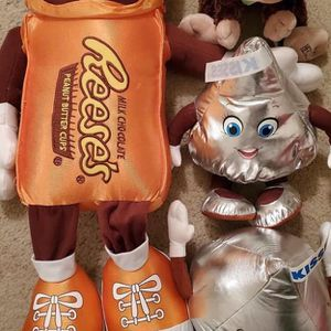 4 New With Tags Hershey Stuffed Animals for Sale in Pennington, NJ