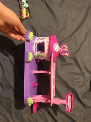 Shopkins Cutie car Drive-thru Dinner playset for Sale in San Leandro, CA